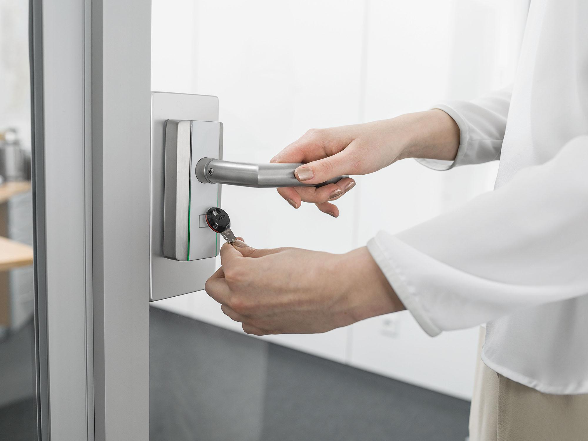 Kaba electronic door locks & readers - dormakaba c-Lever Compact