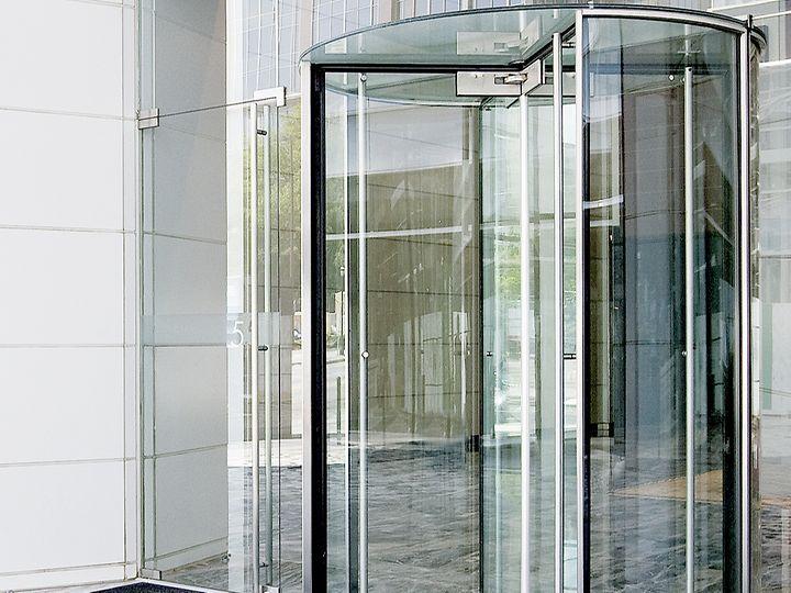 revolving entrance door design  | 1000 x 1000
