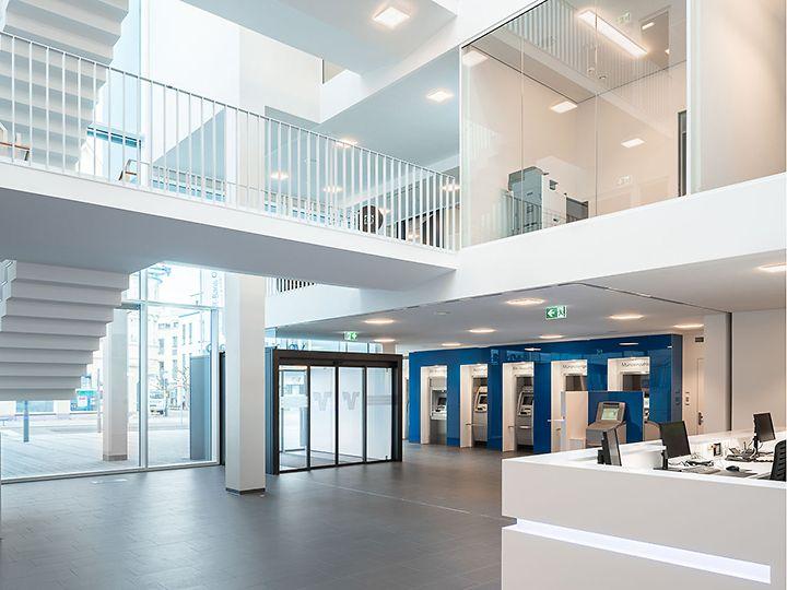 VR-Bank Aalen Empfang